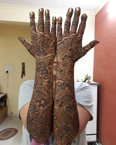 Pretty Henna Designs, Wedding Henna Designs, Back Hand Mehndi Designs, Indian Mehndi Designs, Modern Mehndi Designs, Mehndi Design Pictures, Beautiful Mehndi Design, Latest Mehndi Designs, Mehndi Desighn
