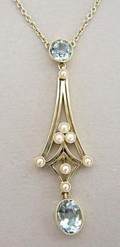 Edwardian aquamarine and pearl lavaliere in 15k white gold, circa 1910.