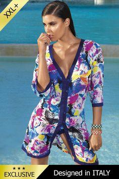 Aceasta rochie de plaja tip pareo face parte din colectia de vara a binecunoscutului brand italian David-Vacanze.  Are o croiala lejera, perfecta pentru a marca micile imperfectiuni, cu decoltleu in V si maneci trei sferturi. Inchiderea este frontala si se face cu nasturi.  Materialul din vascoza 100% este foarte placut la atingere si se usuca rapid.  Imprimeul floral foarte delicat si elegant face ca aceasta rochie de plaja sa fie alegerea cea mai potrivita pentru a completa tinuta ta de… Cover Up, Beach, Summer, Dresses, Fashion, Vestidos, Moda, Summer Time, The Beach