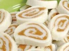 My mother made these frequently! No wonder I have a sweet tooth… Peanut Butter Pinwheels 16 oz. powdered sugar 1 cups powdered sugar (to keep dough from sticking to paper) cup soften… (soften butter) Peanut Butter Pinwheel Recipe, Peanut Butter Candy, Holiday Baking, Christmas Baking, Christmas Candy, Christmas Treats, Christmas Cookies, Candy Recipes, Holiday Recipes