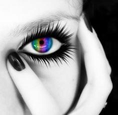 Rainbow Eyez~~~<3