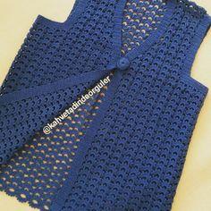 Best 9 Crochet Poncho Top Pattern, Poncho Top Pattern, Crochet Poncho with sleeves, Crochet Poncho Pattern – SkillOfKing. Crochet Poncho With Sleeves, Crochet Poncho Patterns, Crochet Coat, Crochet Cardigan, Crochet Clothes, Poncho Tops, Vest Pattern, Top Pattern, Vintage Crochet
