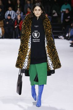 f0185b85e045 Лучших изображений доски «BALENCIAGA»  287 в 2019 г.   Couture ...