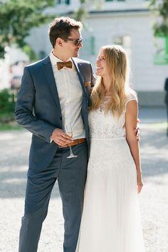 leichtes Brautkleid mit Spitzenoberteil & Chiffonrock