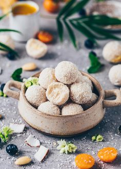 The BEST Vegan Raffaelo Coconut Balls - An easy homemade no-bake recipe with only 6 ingredients & 2 simple steps (gluten-free, healthy, paleo raw truffles)! Paleo Dessert, Healthy Dessert Recipes, Vegan Recipes Easy, Baking Recipes, Coconut Desserts, Vegan Desserts, Healthier Desserts, Snacks To Make, Food To Make