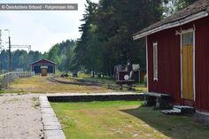 Järnvägsstationsområdet - Rautatieasema-alue, Kovjoki, Nykarleby - Uusikaarlepyy Finland, Sidewalk, Cabin, House Styles, Home Decor, Decoration Home, Room Decor, Cabins, Sidewalks