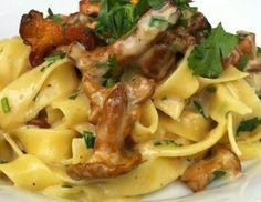 Rezept für Eierschwammerl mit Tagliatelle Easy Cooking, Cooking Recipes, Lasagna Recipes, Bastilla, Pasta, Macaroni And Cheese, Food Porn, Food And Drink, Vegetarian
