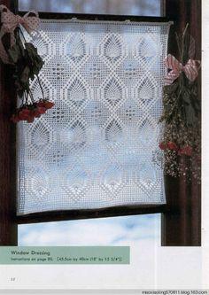 Crochet pineapple curtain ♥LCC♥ with diagram. You must scroll down to fin the corresponding diagram ---- Trabajos de piñas a crochet con diagram.