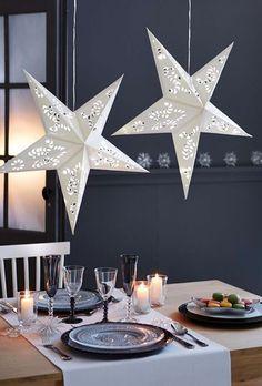 Une décoration de table de Noël sobre et étoilée - Pinterest : les 15 plus belles tables de Noël - CôtéMaison.fr