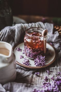 Capture the essence of lilacs with a lilac honey infusion! Through lilacs' transient nature, they teach us how to calmly accept the impermanence of life. Flower Tea, Aesthetic Food, Edible Flowers, Tea Time, Herbalism, Tea Cups, Food Photography, Sweet Treats, Smoothie
