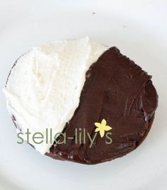 Oh how i love half moon cookies! these taste like authentic, central new york originals from my childhood! Italian Desserts, Just Desserts, Delicious Desserts, Italian Cookies, Yummy Food, Half Moon Cookies Recipe, Yummy Treats, Sweet Treats, Cookies