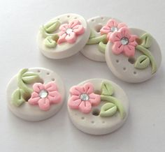 Button Tiny Pearl Flowers handmade polymer clay crystal buttons ( 5 )                                                                                                                                                                                 Mais