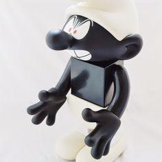 Medicom Toy KUBRICK 400% SMURF Comic Angry Smurf Black Version Rare Figure   http://www.amazon.com/gp/product/B00SEZHIQW