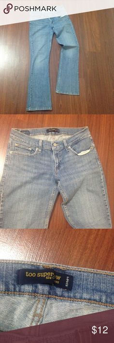 Too superlow 524 Levi Jeans Pre owned light blue, size 7 M, Too Superlow 524 Levi's Jeans, 99% cotton, 1% elastane, very good condition, no stains Levi's Jeans