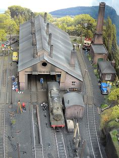 My OO finescale Micro layout based on Abercynon South Wales UK N Scale Model Trains, Model Train Layouts, Scale Models, Escala Ho, Model Railway Track Plans, Ho Scale Buildings, Train Pictures, Ho Trains, Train Set