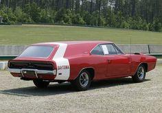 Dodge Daytona stationwagon