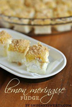 Lemon Meringue Fudge: Delicious creamy lemon fudge topped with homemade lemon curd, marshmallows and crushed grahams