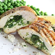 Chicken - Spinach and Feta Stuffed Chicken Breast Recipe Ricotta Stuffed Chicken, Feta Chicken, Chicken Spinach Ricotta, Breaded Chicken, Roast Chicken, Healthy Mummy Recipes, Healthy Snacks, Healthy Eating, Healthy Chicken Recipes For Weight Loss Clean Eating