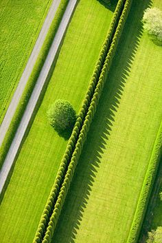 そんなあなたに. Aerial view posted on a Japanese blog and reposted on a French blog, paradis express