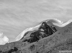 Volutes sur le Mont Maudit ce matin. #grimpisme #chamonix #montblanc
