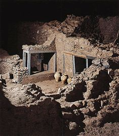 The ruins of complex delta, at Akrotiri, on the island of Thera Minoan Art, Only In America, Mycenaean, Weird Creatures, International Trade, Bronze Age, Ancient Civilizations, Crete, Sicily