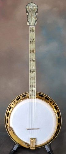 "This is a 1928 Florentine original tenor in very good condition. It's missing 1 jewel in the ""ice cream cone"" on the peghead and 7 in the Gibson logo, . Banjos, Guitar, Hardware, Fancy, Jewels, The Originals, Music, Beautiful, Musica"