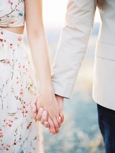 Great engagement session outfit ideas in this love shoot from Erich McVey