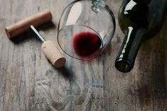 Why Is Finely Aged Cabernet Sauvignon Difficult To Find? - The California Wine Club Wine Drinks, Alcoholic Drinks, Cocktails, California Wine Club, Wine Direct, Wine And Food Festival, Order Wine Online, Wine Bottle Corks, Wine Case
