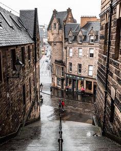 Spectacular Street Photos in Edinburgh by Ian G Black City Aesthetic, Travel Aesthetic, Aesthetic Dark, Europe Destinations, Wedding Destinations, Places To Travel, Places To See, Travel Photographie, Scotland Travel