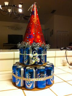 Beer Cake- 18 pack of beer. on the bottom, on top Soda Can Cakes, Beer Can Cakes, Beer Gift Sets, Cake In A Can, Alcohol Cake, 21st Birthday, Birthday Beer, Cake Tower, Sweet 16 Parties