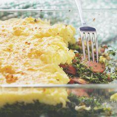 Snelle boerenkool uit de oven, uit het 'Kookboek voor meisjes van 8 tot 88' van Mirjam van der Rijst. Kijk voor de bereidingswijze op okokorecepten.nl. Mashed Potatoes, Macaroni And Cheese, Food Porn, Baking, Ethnic Recipes, Cook, Photography, Bon Appetit, Whipped Potatoes