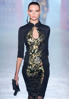 jason wu cheongsam I really like the sleak lines of this dress the hair and earings really add to the over all look.