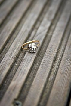 Vintage 1930's engagement ring  - this looks just like my great Grandmother's ring that was taken in our burglary! I LOVED that ring! Irreplacable! grrrrrrr