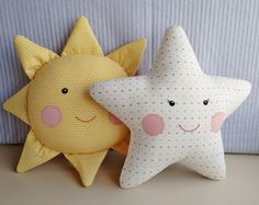Star and sun shaped decorative cushions with hand embroidered faces, . Sewing Toys, Baby Sewing, Sewing Crafts, Sewing Projects, Sewing Clothes, Cute Pillows, Baby Pillows, Diy Bebe, Sewing Pillows