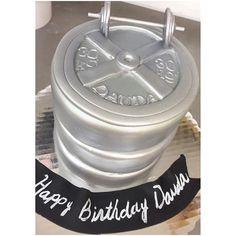 #birthdaycake #weightliftingcake #fondantcake #edibleart #sweettreatdesigns #customcakes #customcakesmiami #dumbellcake