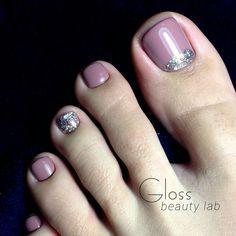Taup Pink toe nail art