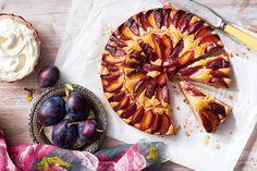 Plum Snacking Cake Fruit Recipes, Desert Recipes, Cake Recipes, Cooking Recipes, Sweets Cake, Cupcake Cakes, Coffee Cake Loaf, No Bake Desserts, Plum Desserts
