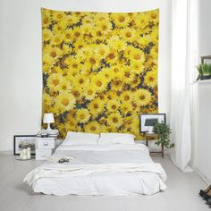 Yellow Daisy wall tapestry, Fabric wall hanging for room decoration, Floral tapestries. Interior Decorating, Decorating Ideas, Affordable Wall Art, Tapestry Fabric, Wall Tapestries, Printing On Fabric, Backdrops, Daisy, Room Decor