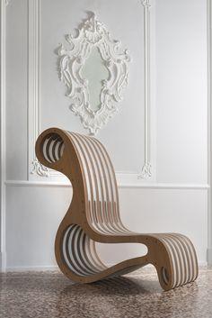 L' eco design Italien pour ce fauteuil en carton et bois! http://www.sogreendesign.com/fr/marques/lessmore/fauteuil-x2chair.html