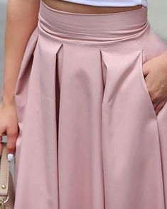 Shop Sleeveless Cropped Top & Pleated Skirt Sets right now, get great deals at topsmoda Trend Fashion, 70s Fashion, Korean Fashion, Fashion Online, Fashion Tips, Casual Skirt Outfits, Indian Designer Outfits, Sleeveless Crop Top, Winter Outfits Women