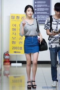 IU fashion on point Korean Fashion Trends, Iu Fashion, High End Fashion, Fashion Outfits, Fashion Design, Airport Fashion, J Pop, All Jeans, Korean Celebrities