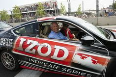 Gen. Colin Powell leads the field to the green flag for IZOD IndyCar Series Baltimore Grand Prix.