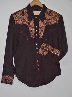 VINTAGE AMERICAN WESTERN WEAR  SCULLY VINTAGE COWBOY SHIRT COPPER EMBROIDERY ON BLACK; FLORAL  MATCHING PEARL SNAPS