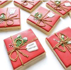 Snowflake Christmas Cookies, Christmas Sugar Cookies, Christmas Sweets, Holiday Cookies, Gingerbread Cookies, Christmas Cakes, No Bake Sugar Cookies, Iced Cookies, Royal Icing Cookies
