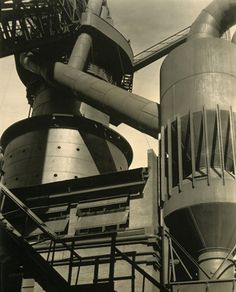 Charles Sheeler, Ford Plant, River Rouge, Blast Furnace and Dust Catcher (Machine Age Aesthetics) Modern Photographers, Documentary Photographers, Industrial Photography, Art Photography, Charles Sheeler, San Francisco Museums, Gelatin Silver Print, Photoshop, Industrial Revolution