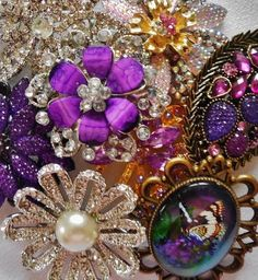 Lot of 8 pretty Vintage Style Brooches in purple Wedding Bouquet