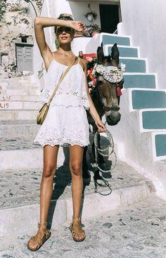 me Vacances Plage Camisoles Tops Spaghetti Strap Dentelle Gilet Tee Tops Jacquard Crochet Floral Lace Tank Top Blusas Femmes White Skirts, White Dress, Mini Skirts, Bohemian Style, Boho Chic, Ibiza Style, Hippie Style, Alena Blohm, Spell Designs