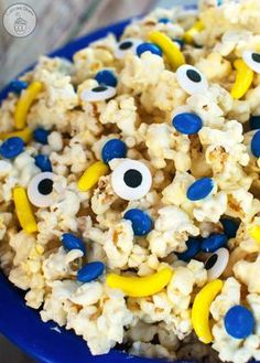 Minions Popcorn - The perfect treat for a Minions birthday party or movie night! #MinionsMovieNight #ad