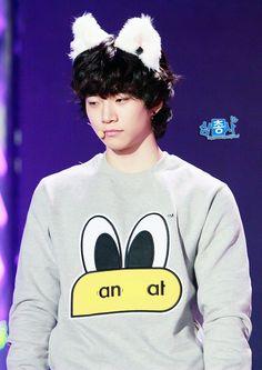 Junho * 2PM Lee Junho, Taecyeon, Korean Boy Bands, Korean Actors, Pretty Boys, 2pm Kpop, Graphic Sweatshirt, Asian, Songs