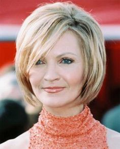 Blonde Short Hair Style for Over 50